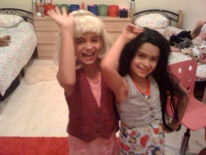 Bloggers of the future in wigs (Bea on right)