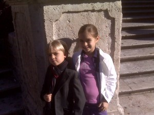 Leo and Bea today on the Spanish Steps waiting for Piera